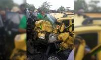 Accidente de taxi dejó a tres samarios muertos.