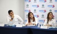 La gobernadora Rosa Cotes y la alcaldesa Jimena Abril asistieron a la mesa de concertación.