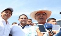Rubén Jiménez junto al ex presidente Álvaro Uribe