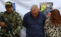 Dos de los capturados en Santa Marta por estafa.