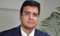 Rector Ramsés Vargas.