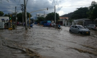 Así quedaron algunas calles con el aguacero.