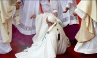 Foto para ilustrar, que corresponde a la caída del Papa Francisco en 2016.