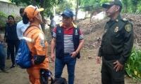 El alcalde Rafael Martínez estuvo acompañando las labores de búsqueda de Albertico.