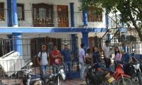 Los afectados se tomaron las instalaciones de la bolsa de empleo.