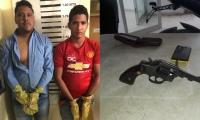 Los dos capturados Daniel Antonio Ariza Insignares y John Jaynner Morales Sierra dentro de la URI de la Fiscalía en Soledad