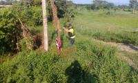 La bandera que había sido dejada en el lugar fue retirada por miembros de la PONAL.