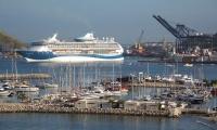 Crucero Marella Discovery en la bahía de Santa Marta.
