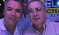 Duque y Uribe en una selfie