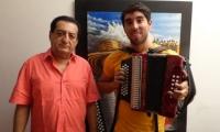 Jorge Oñate y su acordeonero Javier Matta.