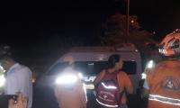 Una buseta que se salió de la vía atropelló a cuatro personas y una murió.