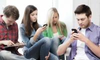 """Los teléfonos móviles pertenecen al grupo de riesgo """"posiblemente cancerígenos para los humanos""""."""