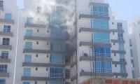 Incendio en un apartamento del edificio Torres del Mayor.