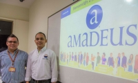 El docente encargado de dictar la materia, administrador Elder Alberto Mejía Martínez y el director del Programa, administrador especialista Humberto Calabria Arrieta.