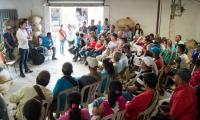 El aspirante a la Cámara de Representante por el partido Centro Democrático, Rubén Jiménez,  se reunió con los líderes caficultores del sector de San Pedro, ubicado en la Sierra Nevada de Santa Marta.