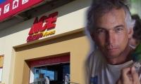 Luis Zúñiga Vives (der), fallecido este miércoles, era uno de los socios de la ferretería ACE Zúñiga Vives.