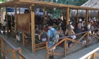 Visitantes al Parque Tayrona durante el primer día de acceso, después de su descanso.
