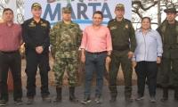 El Alcalde estuvo acompañado de otras autoridades del Distrito, durante el acto simbólico de inicio de la obra.