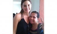 Angélica Delgado y Taliana Vargas, abanderada de la fundación Casa en el Árbol.