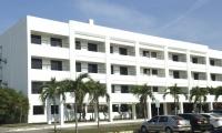 Las víctimas del atentado fueron inicialmente atendidas en la Clínica de la Policía.