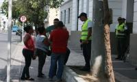 Los vendedores llegaron hasta la estación de policía.