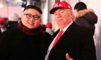 Imitadores de Kim Jong-Un y Donald Trump.