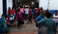 Protesta de las manipuladoras del PAE en El Banco.