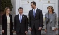 Juan Manuel Santos es recibido en Madrid por el rey Felipe VI.