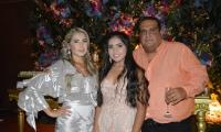 Verónica Ceballos con sus papás, Jorge Ceballos y Liliana Lafaurie.