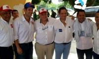 Víctor Rangel, alcalde de El Banco, junto al candidato presidencial Germán Vargas Lleras el pasado 18 de mayo.