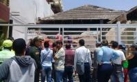 El techo de un inmueble cedió y le cayó encima a uno de los trabajadores que se encontraba en el lugar.
