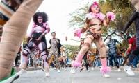 Momentos del desfile folclórico durante las Fiesta del Mar.