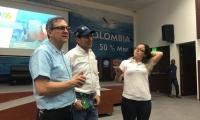 El viceministro de Políticas y Normalización Ambiental del Ministerio de Ambiente y Desarrollo Sostenible, Willer Guevara durante su visita al Invemar.