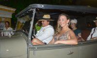 Carlos Vives y Claudia Elena Vásquez a su llegada al Colegio Liceo celedón.