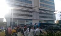 Evacuaron edificios en Santa Marta.