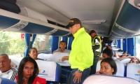 Empresas que transportan y venden tiquetes a personas ilegales serán citadas por las autoridades.
