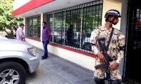 Policía y la Fiscalía incautaron los equipos.