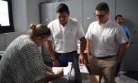 Aspecro de la entrega del documento en las instalaciones de la Secretaría de Planeación del Distrito.