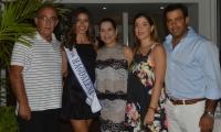 La representante del Magdalena, Samara Saghair junto a su familia María de Lourdes Granados, Yamil Saghair, Fatima Saghair, Haled Saghair.