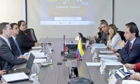 Reunión entre ministros de comercio de Colombia y Panamá.