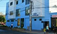 La mujer fue atendida en la Clínica La Castellana.