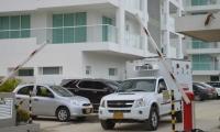 Personal de Fiscalía realizó el levantamiento del cuerpo en el edificio.