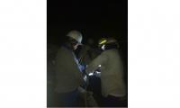 Operarios de Electricabe trabajan para restablecer el servicio.
