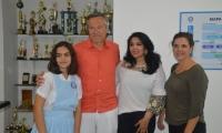 Gautier Mignot, Embajador de Francia; Alix Mignot, Directora Alianza Francesa; Cindy Zawady, periodista Alianza Francesa y Ana Gabriela, estudiante francesa del Colegio Bilingüe