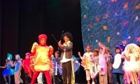 Presentación del Colegio Liceo Versalles en el Festival de Teatro del Divino Jesús.