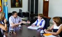 La ministra de Trabajo, Alicia Arango, se reunió con el alcalde Rafael Martínez.