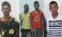 Hombres capturados por la Policía.