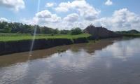los altos niveles del Río Magdalena que afectan el sector de La Bonga, vía que comunica a Salamina con El Piñón