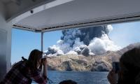 Erupción del volcán Whakaari.