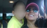 Jessy Paola Moreno Cruz con su hijo